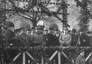 Президент Грузии Ной Жордания с французскими офицерами